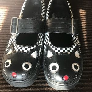 Tuk cat shoes size 9